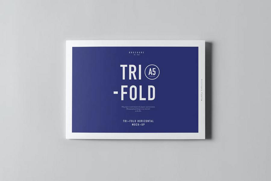 Horizontal tri-fold brochure mockup PSD